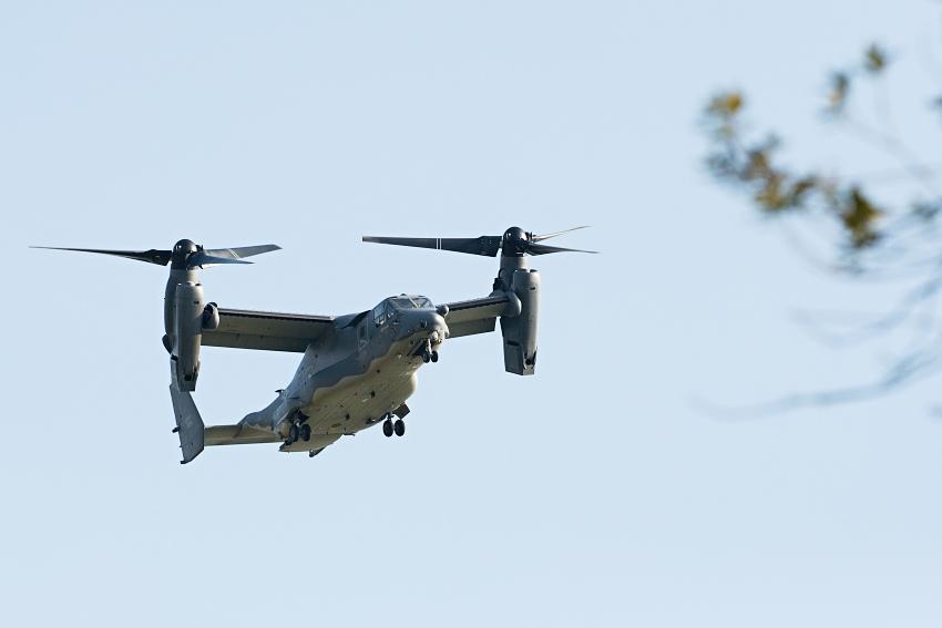 bell-boeing-v-22-osprey-tesne-nad-zemi.jpg