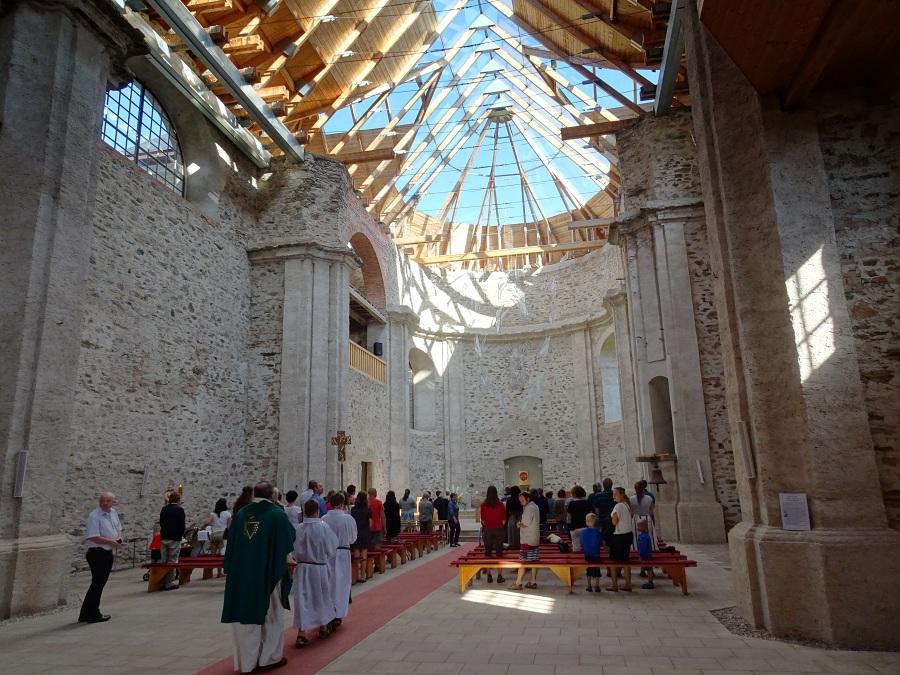 kostel-neratov-klentba-2.jpg