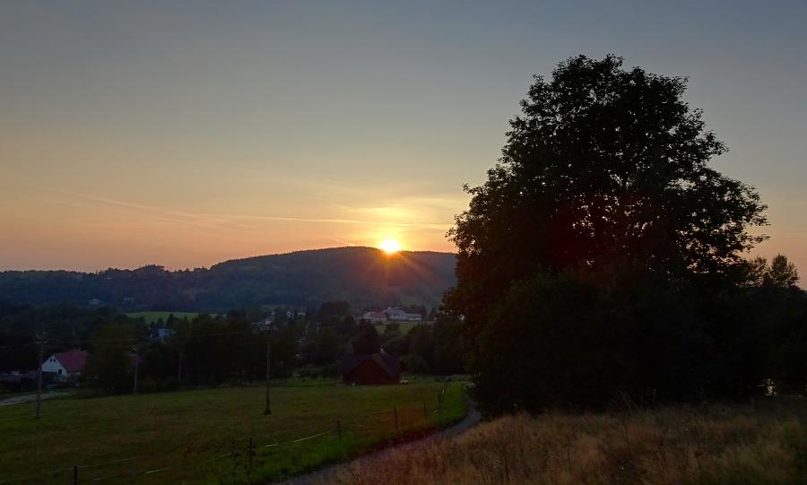 zapad-slunce-v-orlickach.jpg