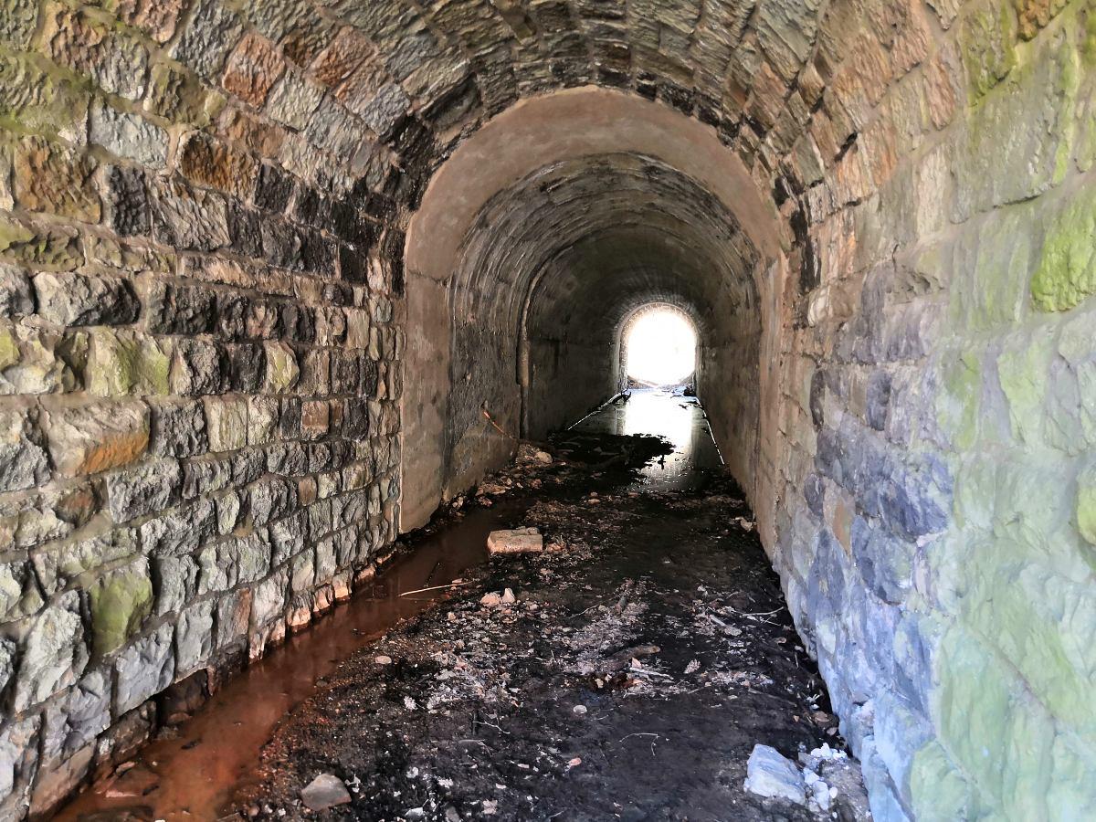 svetlo-na-konci-tunelu.jpg