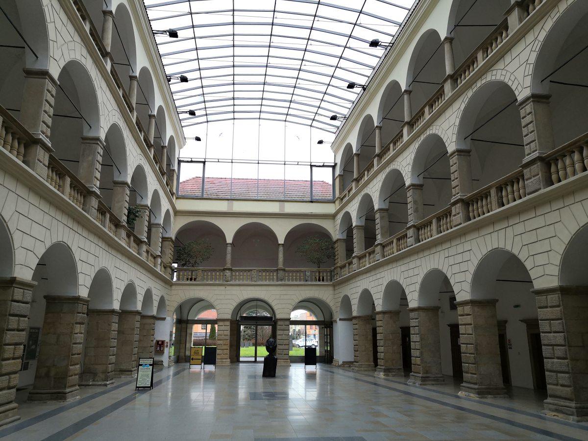 radnice-v-hranicich.jpg