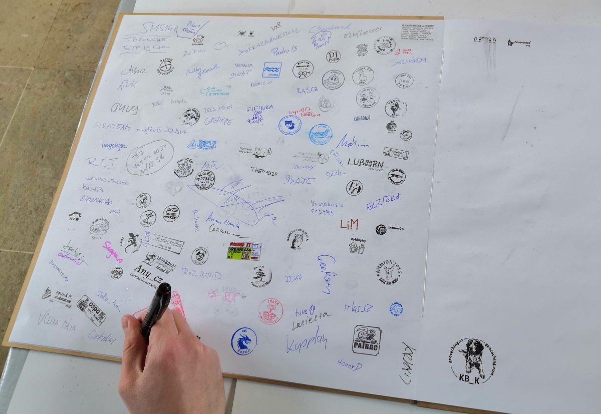 lap-dya-logbook.jpg