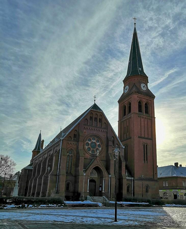 cerveny-kostel-ve-vitkovcich.jpg