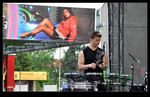 jumping-drums-svinov-19-06-2010-03.jpg