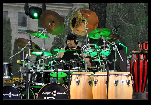 jumping-drums-svinov-19-06-2010-09.jpg