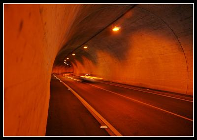 Tunelové lonie